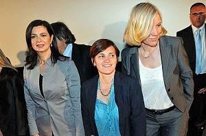 Laura Boldrini (a sinistra) e Josefa Idem (a destra) con Titti De Simone, presidente del comitato Palermo Pride