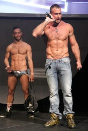 abruzzo escort italiano gay