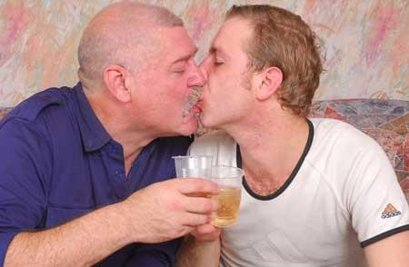 incontri gay con skype Acireale