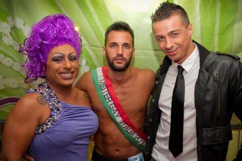 ragazze fica pelosa backstage porno italiani