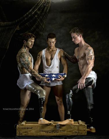 I veterani si mettono a nudo per il Memorial Day