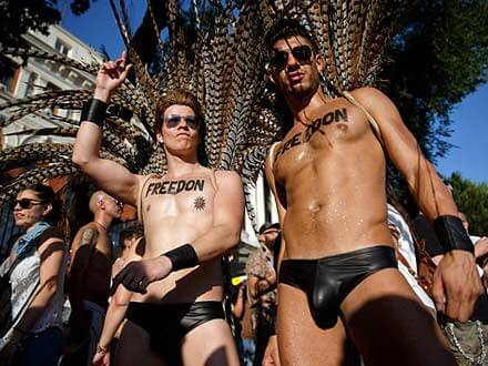 incontri gay catania gigolo per gay