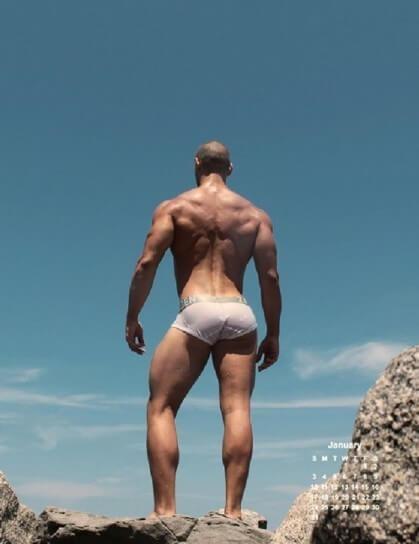 """Eric Leto: il calendario \""""tutto-muscoli\"""" per il 2015"""