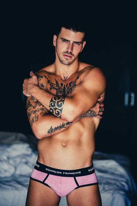 Adan González e i suoi tatuaggi in slip per Garçon Français