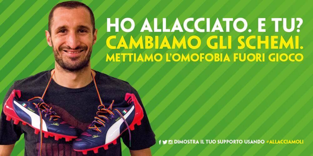 Giorgio Chiellini indossa i laccetti rainbow contro l\
