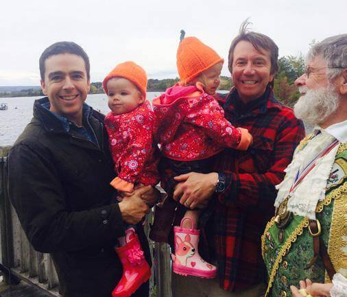 Il PM del Canada diventa virale con ministro gay e famiglia
