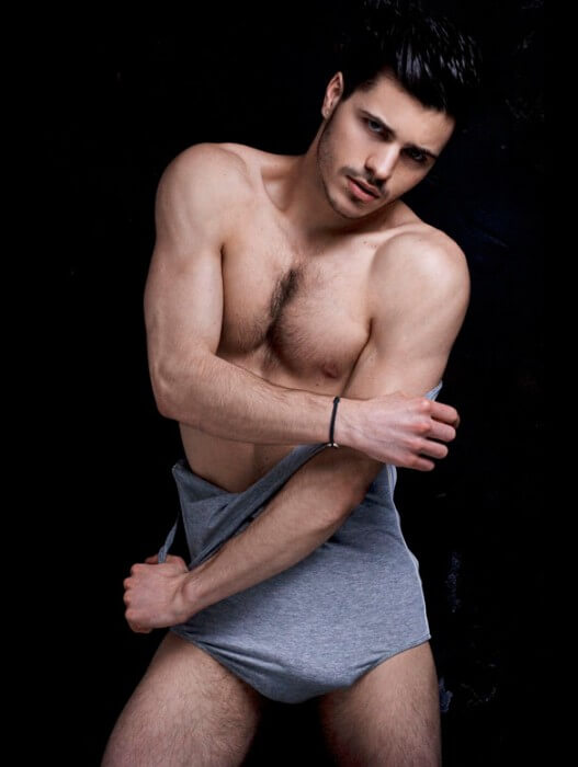 Matthieu_Charneau_Sexy_model_abs