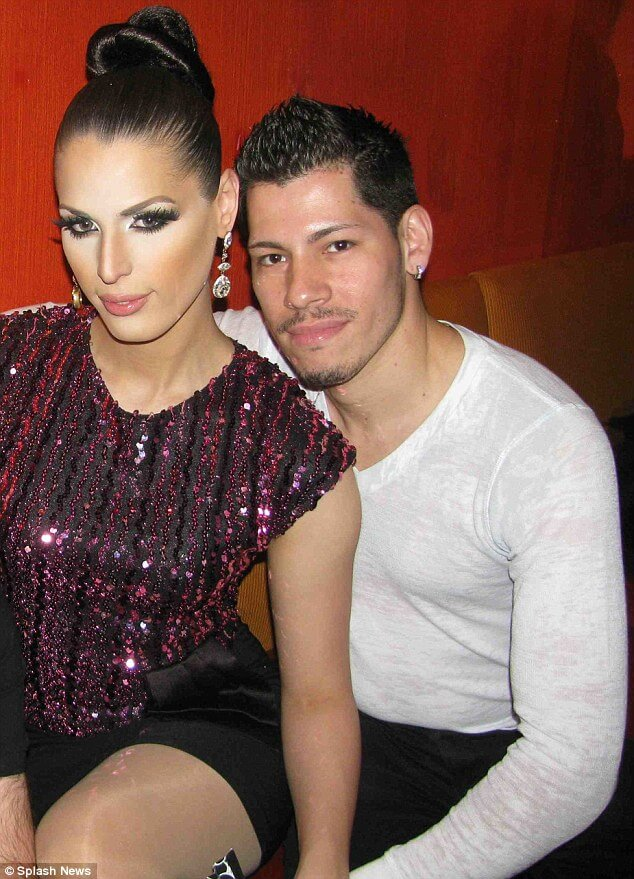 carmen_carrera_modella_transgender_adrian_torres