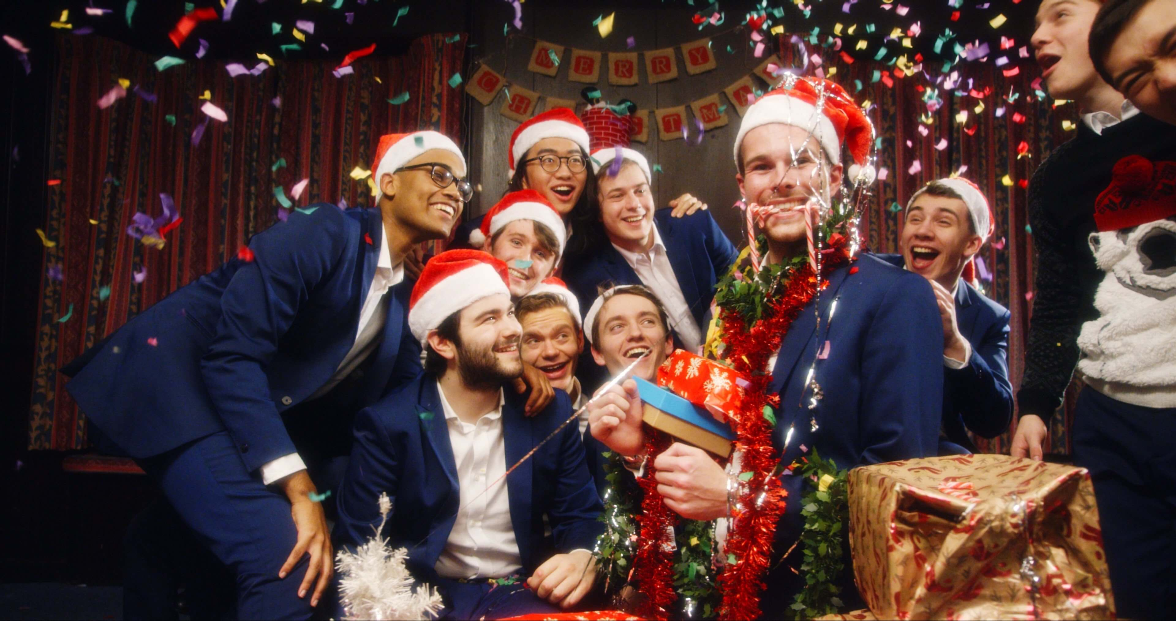video_natalizi_gay_out_of_the_blue_santa_baby