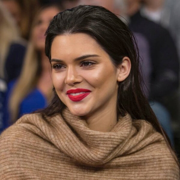 Kendall Jenner lesbica, bi, etero o soltanto queer?