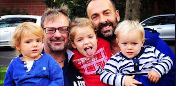 famiglia gay con tre figli