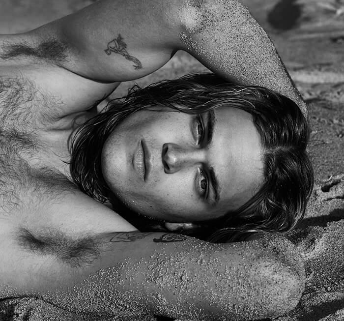 Portraits Nudes Flowers: il nuovo libro di Mariano Vivanco con James Franco e molti altri