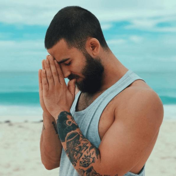 Il maestro di yoga più sexy che abbiate mai visto: viaggio nell\
