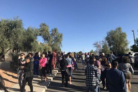 Las Vegas, spari sulla folla dinanzi al casinò: 20 morti