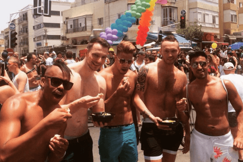 ragazzi israeliani tel aviv pride