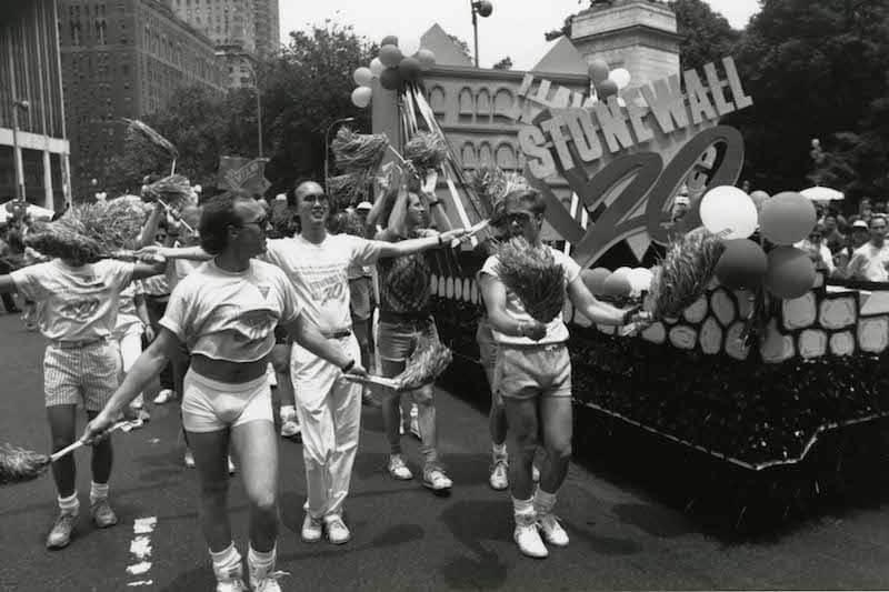 La storia LGBT di St. Louis dal 1970 al 1995